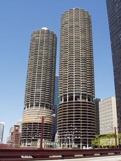 800px-Marina_City_-_Chicago,_Illinois.JPG