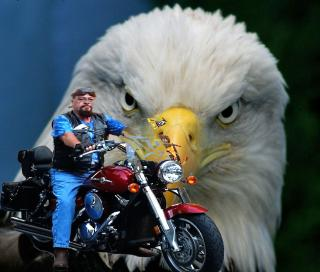 Kahn With Eagle.jpg
